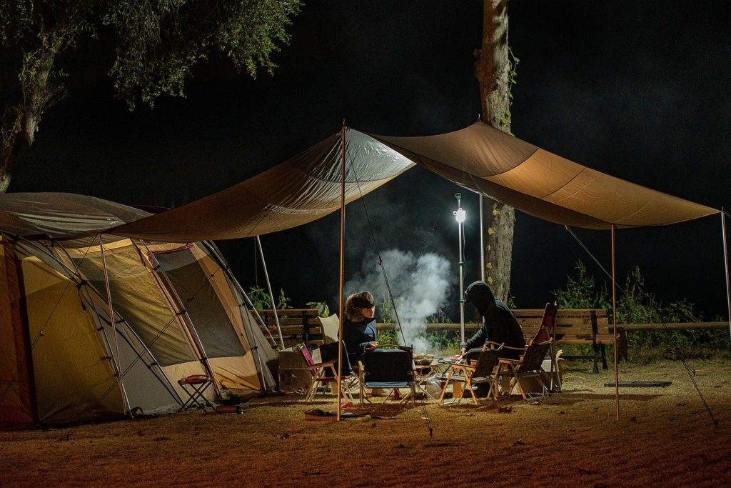 camping-with-friends