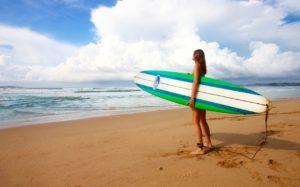 girl-surfing-california