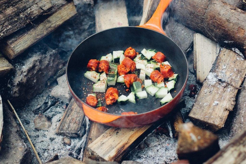 pan-frying-camp-fire