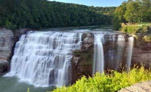 Waterfall-Letchworth-State-Park-New-York