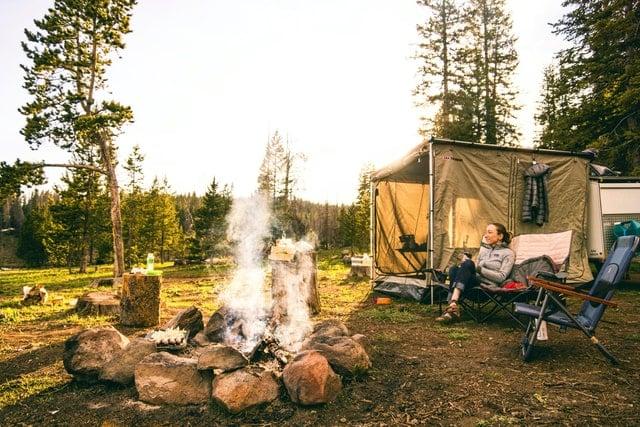 camp-chair-around-fire