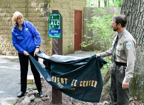 New signs at Nolde Forest